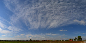 cirrus-fan-shaped-clouds-2013-10-12-featured