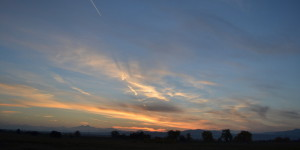 wispy-autumn-cirrus-cloud-sunset-orange-2013-10-24-featured