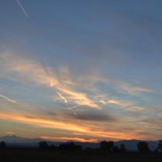 wispy-autumn-cirrus-cloud-sunset-orange-2013-10-24-featured