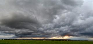 dark-cumulus-stormy-sunset-2014-06-23-featured