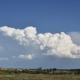distant-cumulus-clouds-2014-06-05-featured