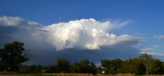 distant-thunderstorm-sunny-evening-2014-08-06-featured